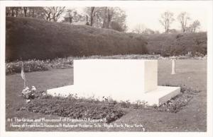New York Hyde Park Franklin D Roosevelt Grave and Monument 1948 Real Photo
