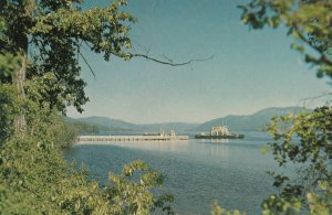 FRANCOIS LAKE , B.C. , Canada , 50-60s ; Ferry at Southbank