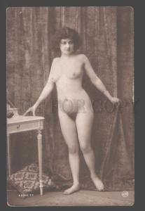 101260 NUDE Lady BELLE near Table Vintage PHOTO JA #77
