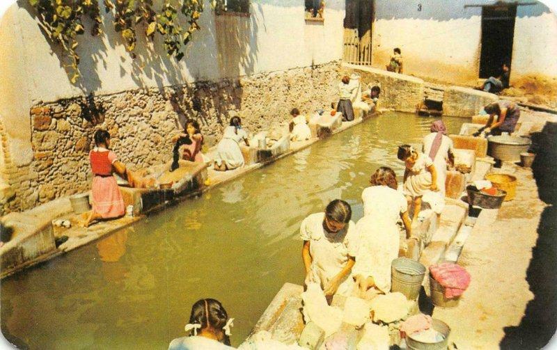 Public Washing Place (Los Lavaderos) Taxco, Mexico c1950s Vintage Postcard