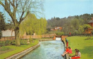 Vintage Hampshire Postcard, The Weirs, Winchester FN7