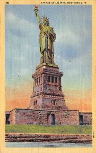 Statue of Liberty Post Card New York City, USA Postal Used Unknown