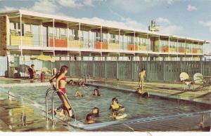 Swimming Pool, TraveLodge, CALGARY, Alberta, Canada, 40-60's