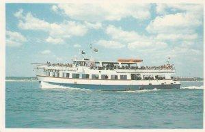 MARTHA VINEYARD ISLAND, Massachusetts, CROSS RIP WHITE AND BLUE VESSEL, 50-60s