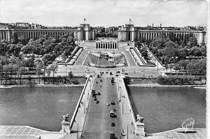 France Paris, pont d'Iena, palais de Chaillot photo veritable