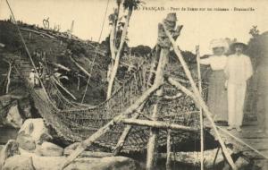 CPA Francais Congo Afrique - Pont de lianes sur un ruisseau (86552)