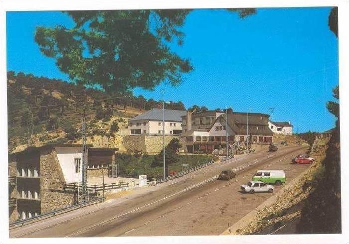 Puerto de Navacerrda (madrid) Arias Inn, Spain, 50-70s