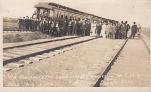 RP: L.M.V. , Sask. , Canada , 1900-10s ; Land seekers excursion train cars