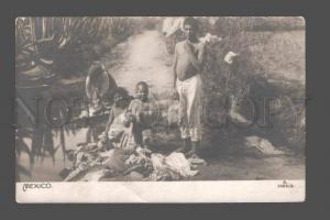 081500 Mexico Semi-nude family Vintage photo PC