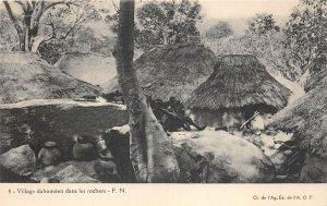 uk41995 village dahomeen dans les rochers dahomey