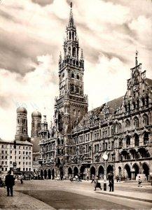 Germany Muenchen Marienplatz mit Rathaus