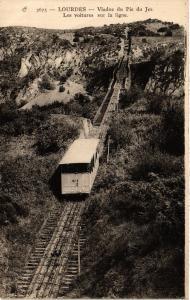 CPA LOURDES Viaduc du Pic du Jer-Les voitures sur la ligne (412548)