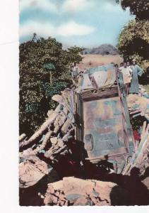 RP Peres du SAINT-Esprit, Africa , 30-40s ; Truck collapses bridge