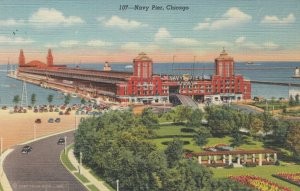 CHICAGO , Illinois , 30-40s ; Navy Pier