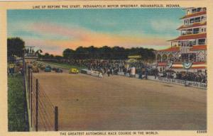 Line up before start of race , Indianapolis , Indiana , 30-40s