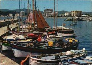 CPM LE LAVANDOU Le Port (1114203)