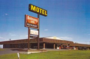 SWIFT CURRENT , SAskatchewan , Canada , 50-60s ; Rodeway Inn
