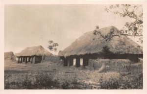 uk41980 musee d abomey sur la place singbodji dahomey africa hut