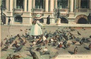 Little Girl Feeding Pigeons, Monte-Carlo Monaco