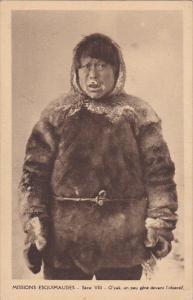 Missions Esquimaudes, O' yak, un peu gene devant l' objectif, CANADA, 10-20s