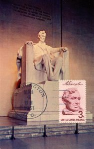 President Abraham Lincoln - Statue inside Lincoln Memorial