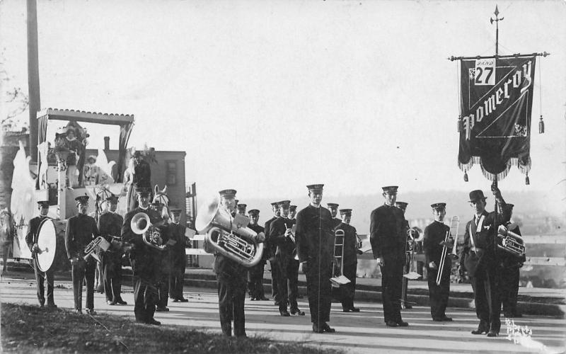 Pomeroy Iowa?~Marching Brass Band Entry #27~Parade Float~Roberts Photo~RPPC 1915