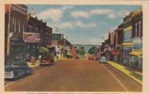 ORILLIA , Ontario , Canada , 1930s ; Main Street ; North