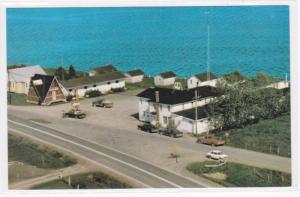 Birdseye View, Hotel Motel Vagues Vertes, Perce, Quebec, Canada, 40-60´s