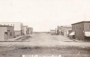 RP: WINDTHORST , Saskatchewan , Canada , 00-10s ; Angus Street (dirt)