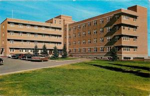 Swift Current Saskatchewan~Hospital~Nice 1950s Cars With Fins~Postcard