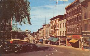 Quebec~Fabrique Street~Kerhulu Restaurant~Simons~Stores~50s Bus & Cars~Postcard