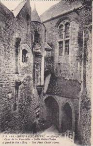 France Mont-Saint-Michel Abbaye Cour de la Merveille Salle Belle Chaise