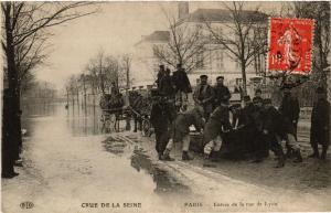 CPA PARIS Entrée de la rue de Lyon INONDATIONS 1910 (605266)
