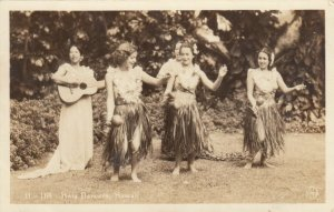 RP: Hula Dancers #2 , Hawaii , 1920-30s