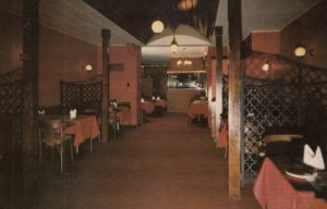 FREDERICTON , New Brunswick , 50-60s ; Imperial Steak House , Interior
