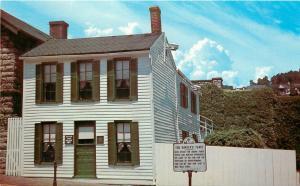 Missouri Hannibal Mark Twain Boyhood Home Museum MO Postcard