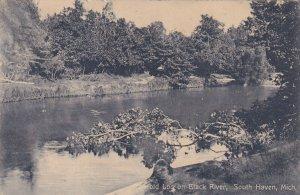 SOUTH HAVEN, Michigan, PU-1908; Old Log On Black River
