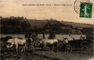 CPA St-HONORÉ-les-BAINS Étang et village du Leu (421241)