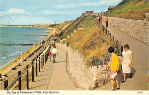 B101262 zig zag at fisherman s walk southbourne  uk 14x9cm