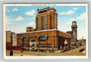 Sioux City IA, Court House Street View, Classic Cars Vintage Linen Iowa Postcard