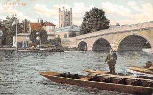 Henleyon-Thames Bridge, Boats, River (Oxfordshire and Berkshire)