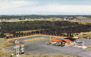 Gulf Gas Station, Motel Restaurant Transcanadien, Cte Riviere-du-Loup, P.Q. 1963