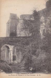 LUYNES , France , 00-10s ; Les Fosses du Chateau et le Pont d'entree