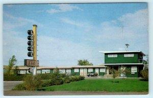 BELLE FOURCHE, South Dakota SD ~ Roadside LA BELLE LODGE c1960s-70s Postcard