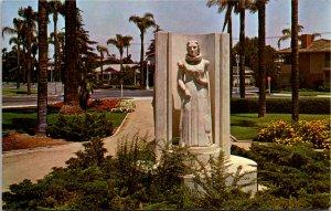 California, Anaheim - City Park - Modjeska Statue - [CA-666]
