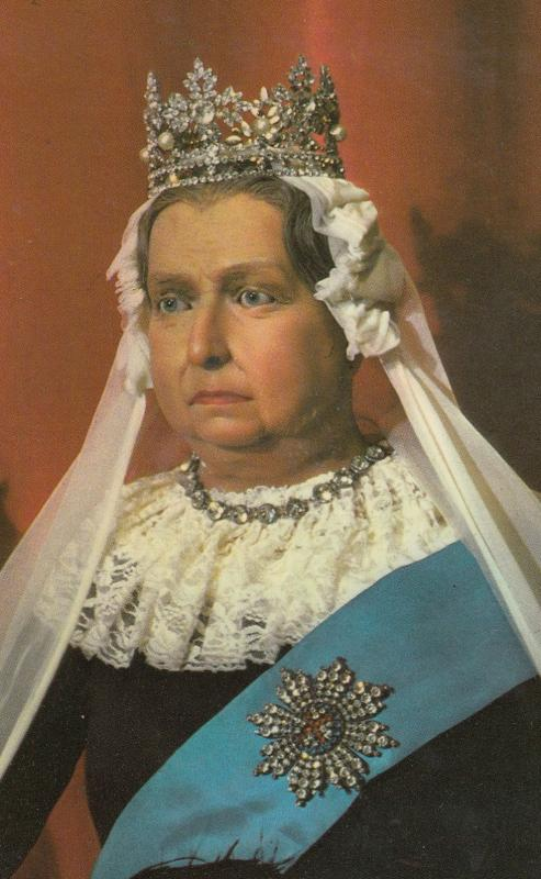 Louis Tussauds Waxworks Blackpool Queen Victoria Model Postcard