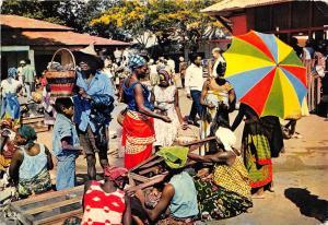 BG21015 marche african market types folklore kenya