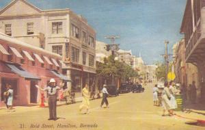 HAMILTON , Bermuda , 40-60s ; Reid Street, Officer directing Traffic