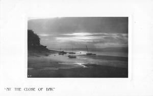 BR79141 at the close of day ship bateaux  real photo uk