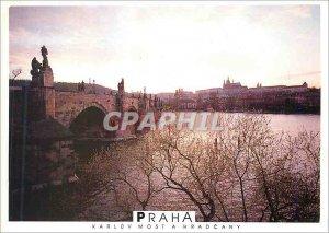 Postcard Modern Praha Karluv has Hradcany